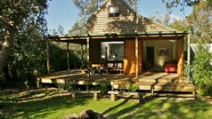 Eco certified luxury accommodation in private bushland