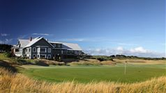 Clubhouse & 18th Green