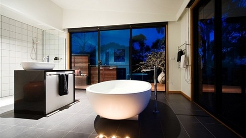 Elevated Plains Tub
