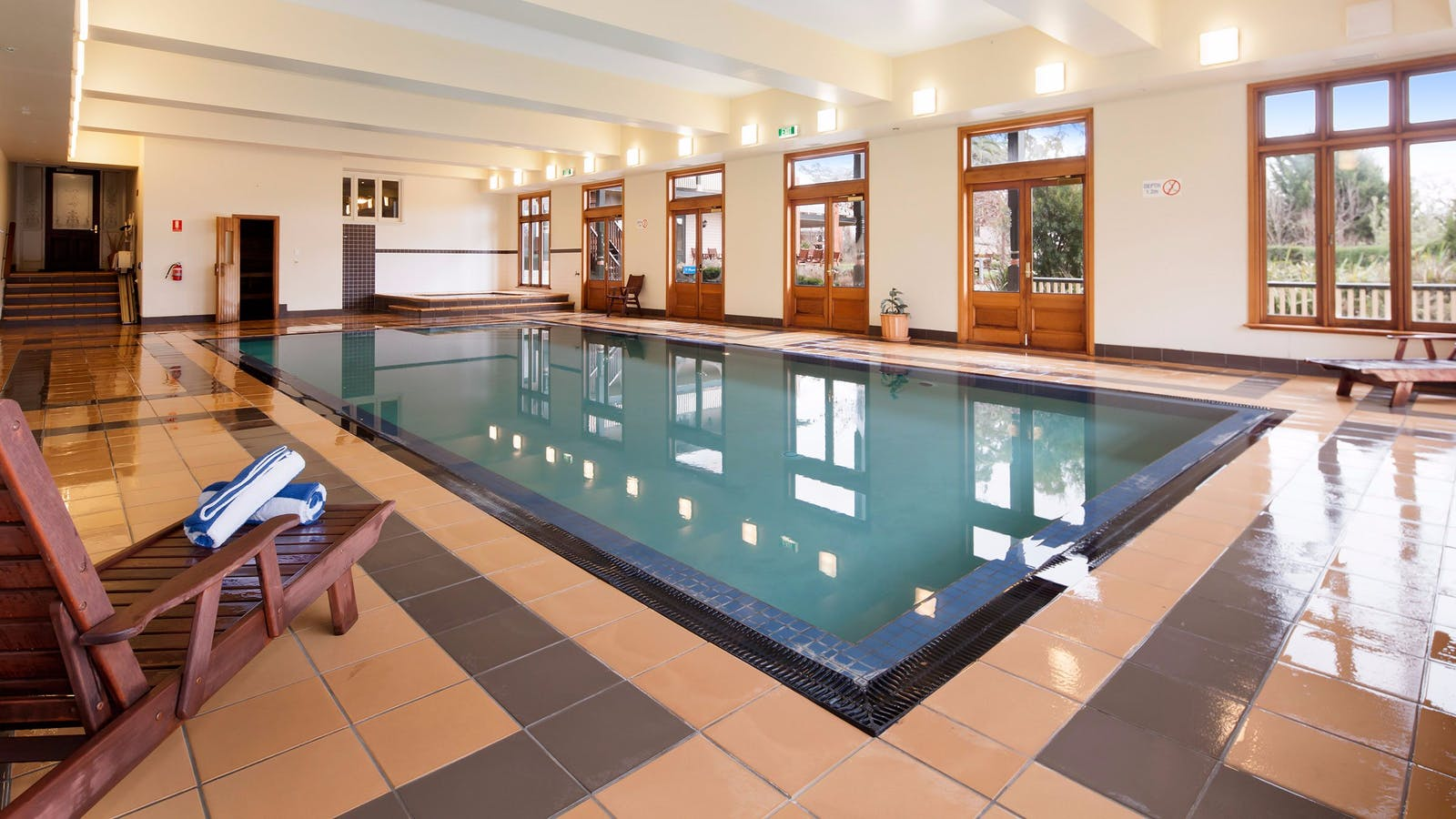 Indoor swimming pool at Spa Country