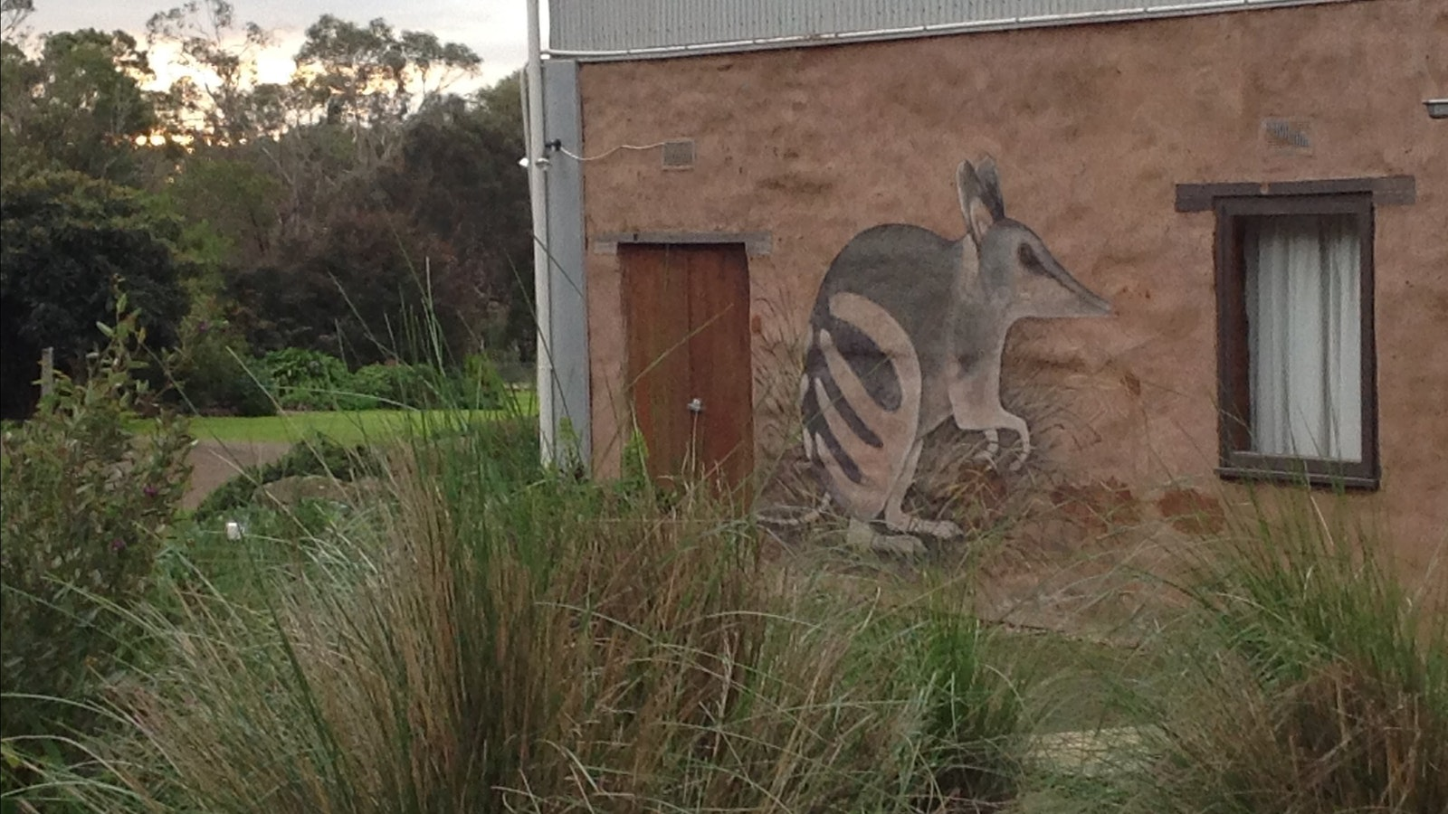 Maginiccent HIRL mural by Renowned local wildlife artist Roger Edwards