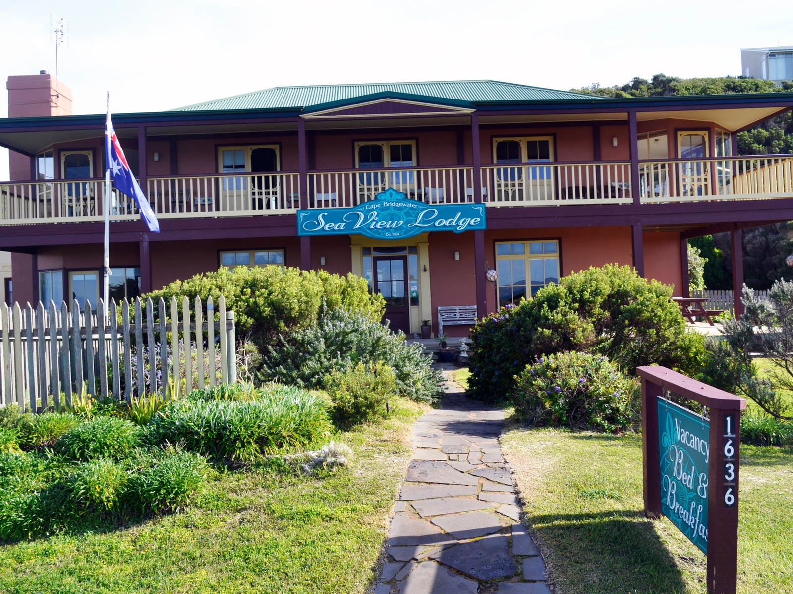 This is a photo the  B&B,  the 2 storey  Cape Bridgewater Seaview Lodge