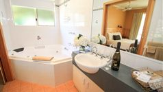 Ensuite Bathroom with double Spa