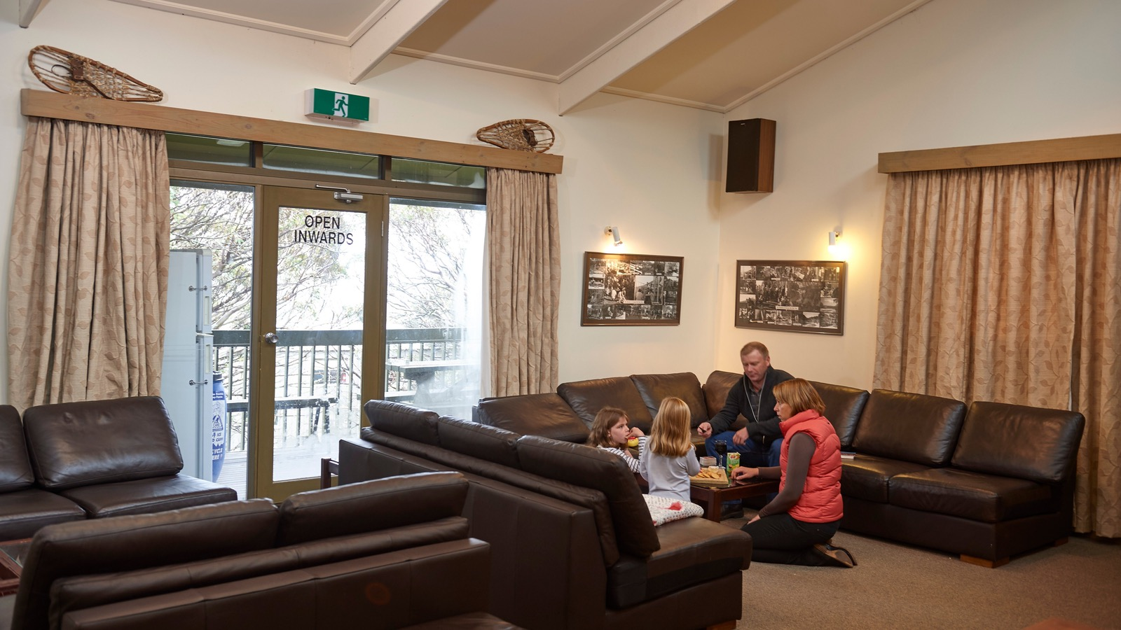Cosy and Spacious lounge at Cawarra Ski Club Mt Buller Accommodation