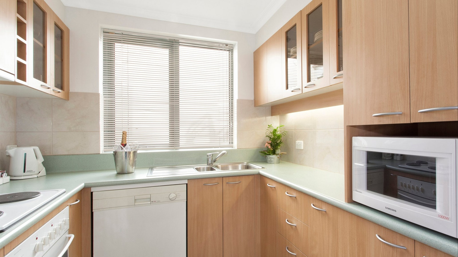Kitchenette's and Fully equipped kitchens