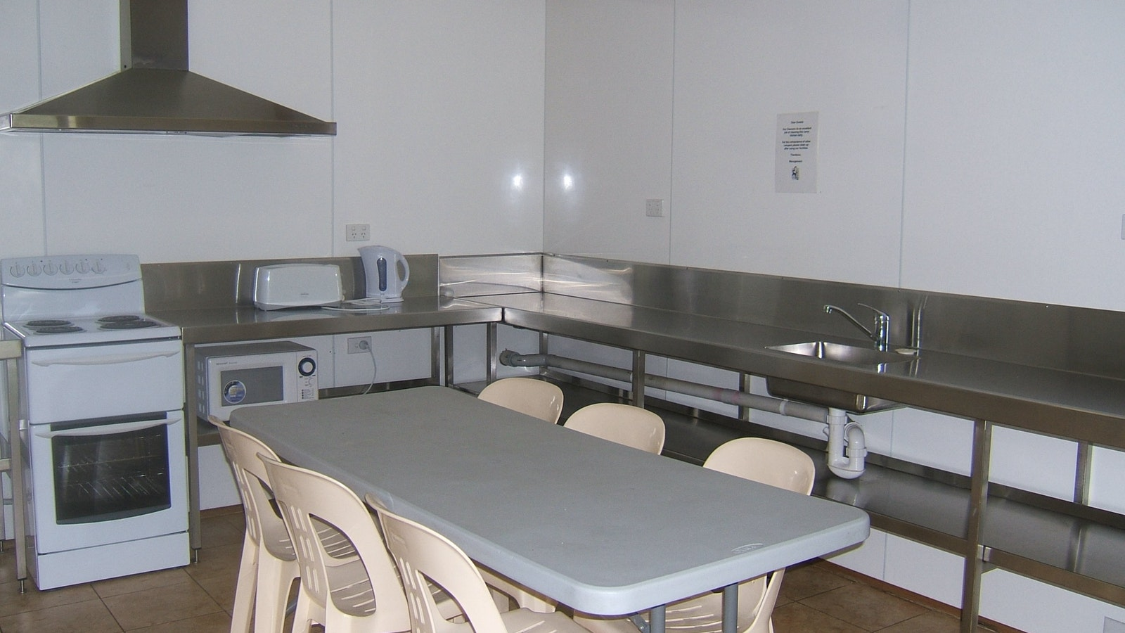 camp kitchen Melbourne BIG4 caravan park