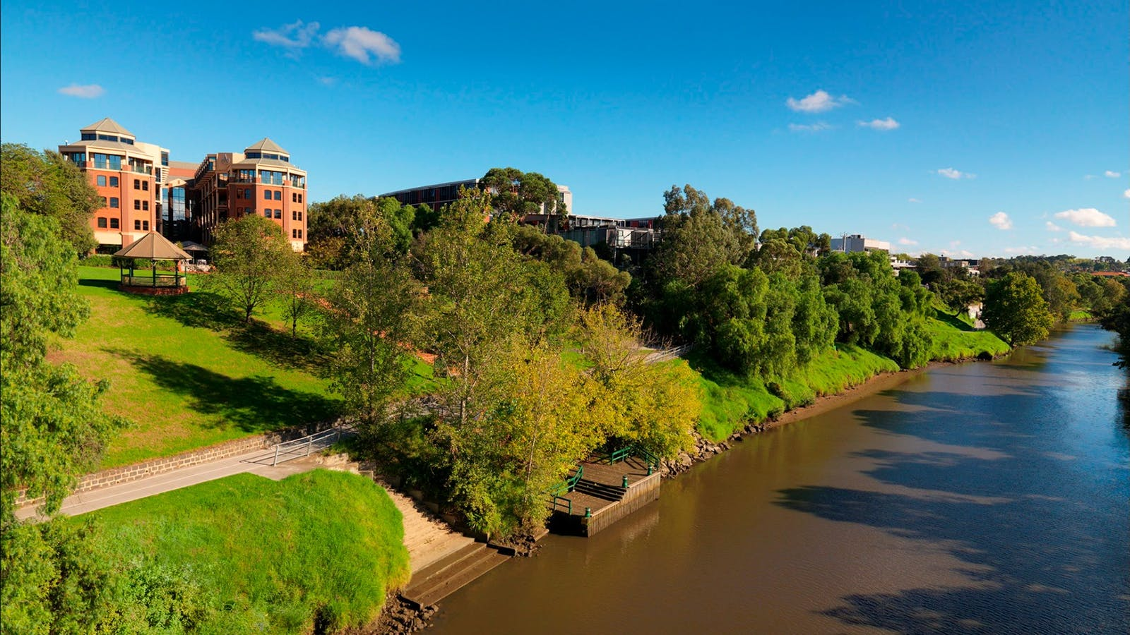 Hotel and Yarra River