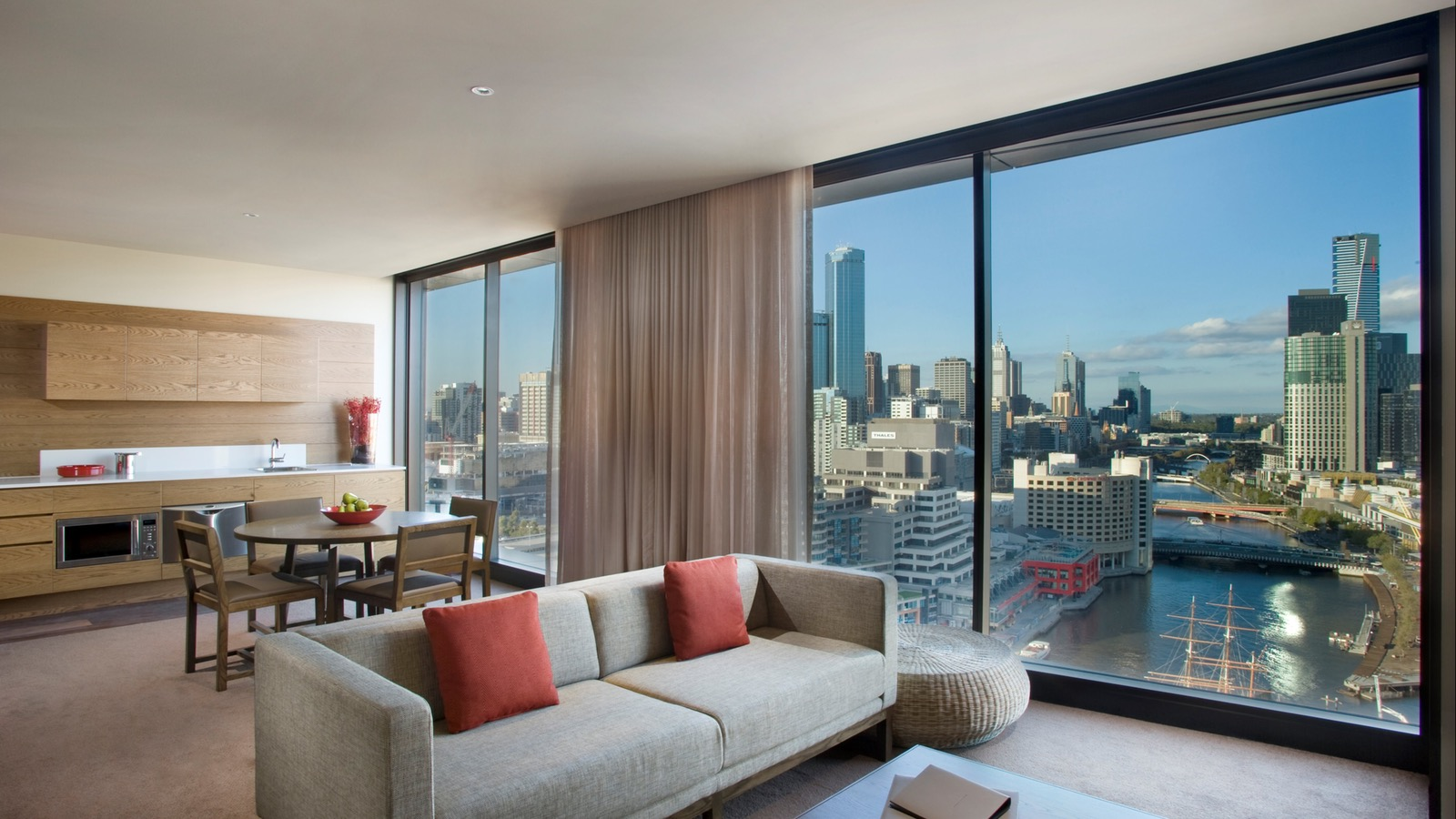 Hilton Melbourne South Wharf - Two Bedroom Suite