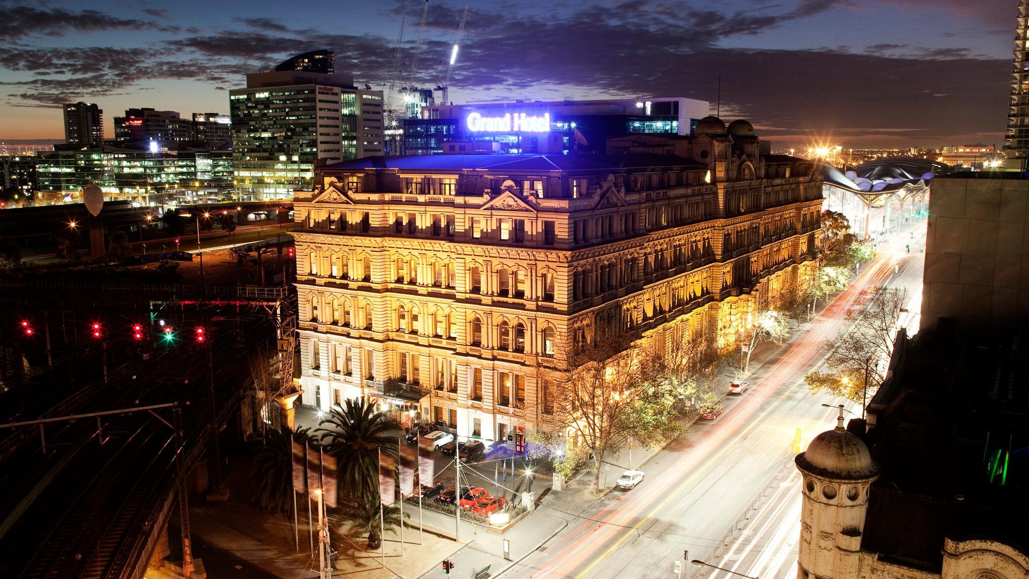 quest grand hotel melbourne accommodation melbourne. Black Bedroom Furniture Sets. Home Design Ideas