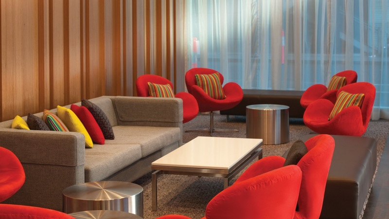 Travelodge Docklands - Hotel Lounge