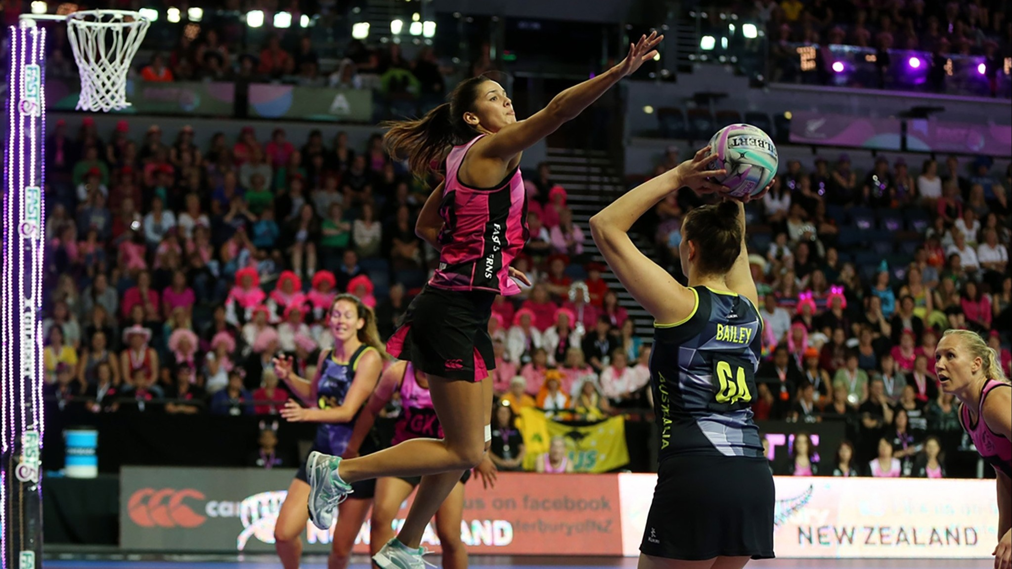 photo of a fast5 netball game