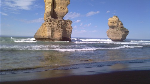 12 Apostles from Gibson steps beach