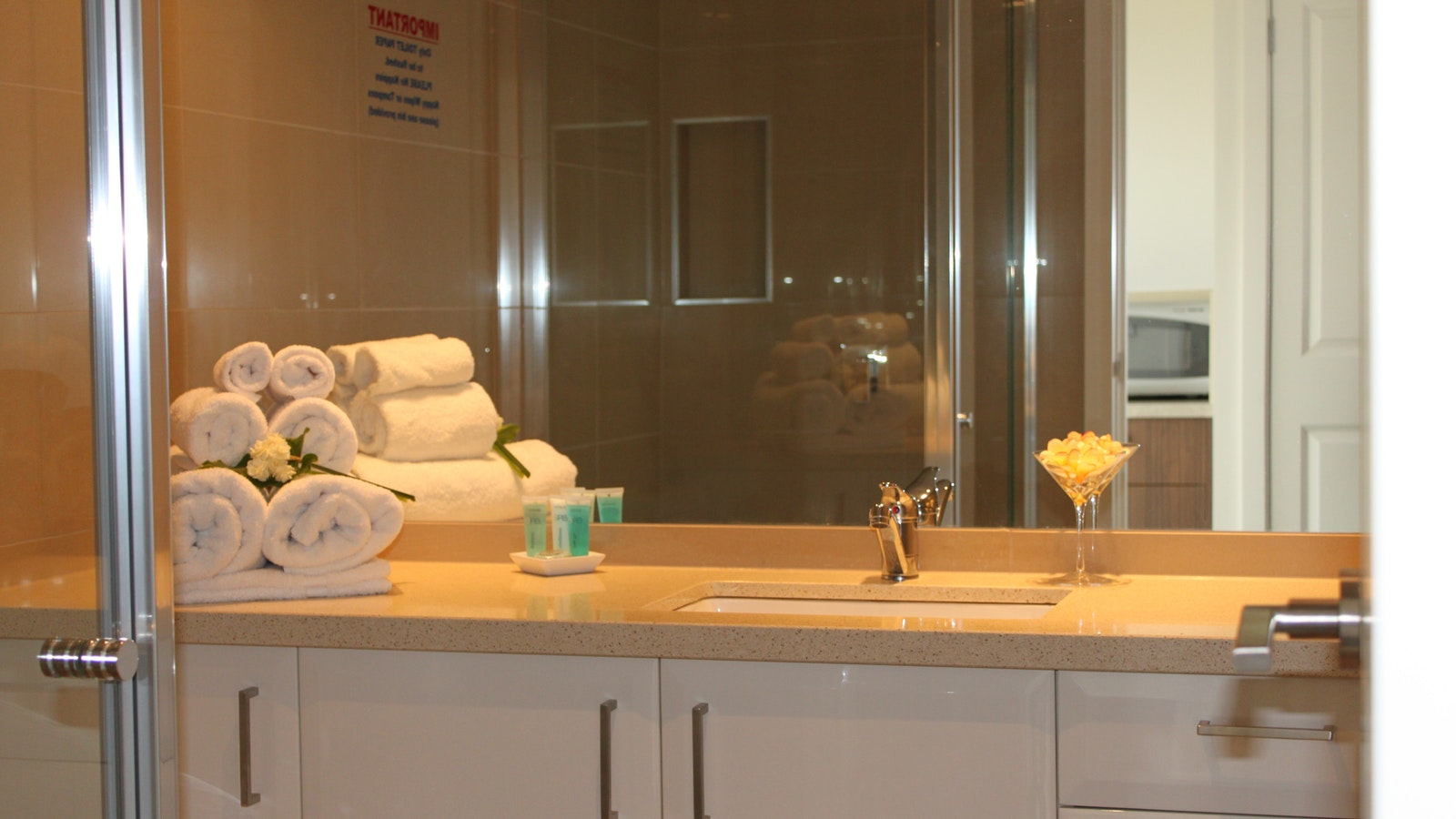 Newly renovated bathroom. Mornington Peninsula Accommodation - The Bay Motel