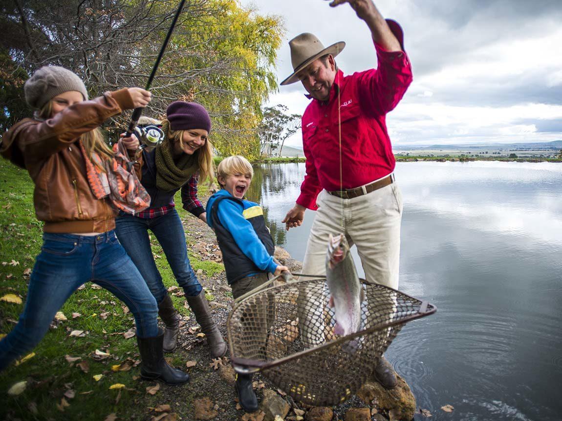 R Fisheries Fishing, Dayles...