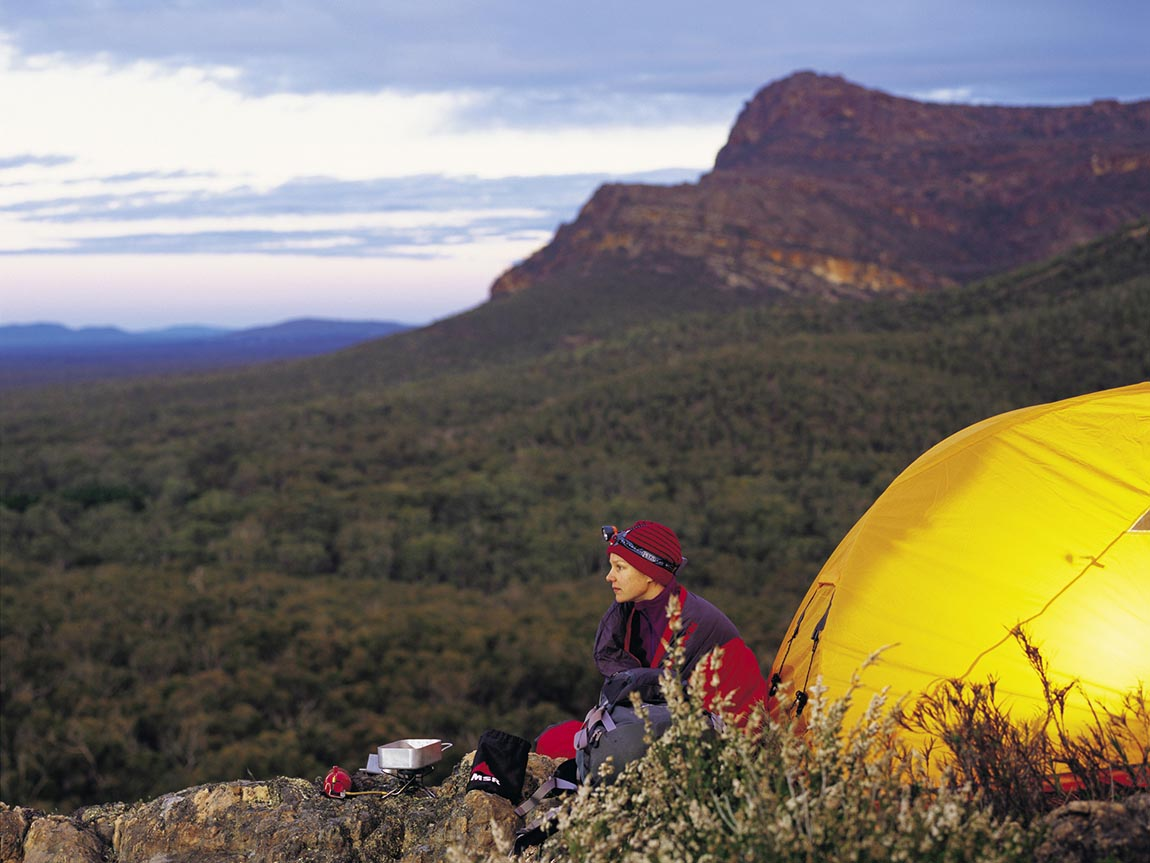 Walking and hiking outdoor activities grampians for Outdoor crafts for camping