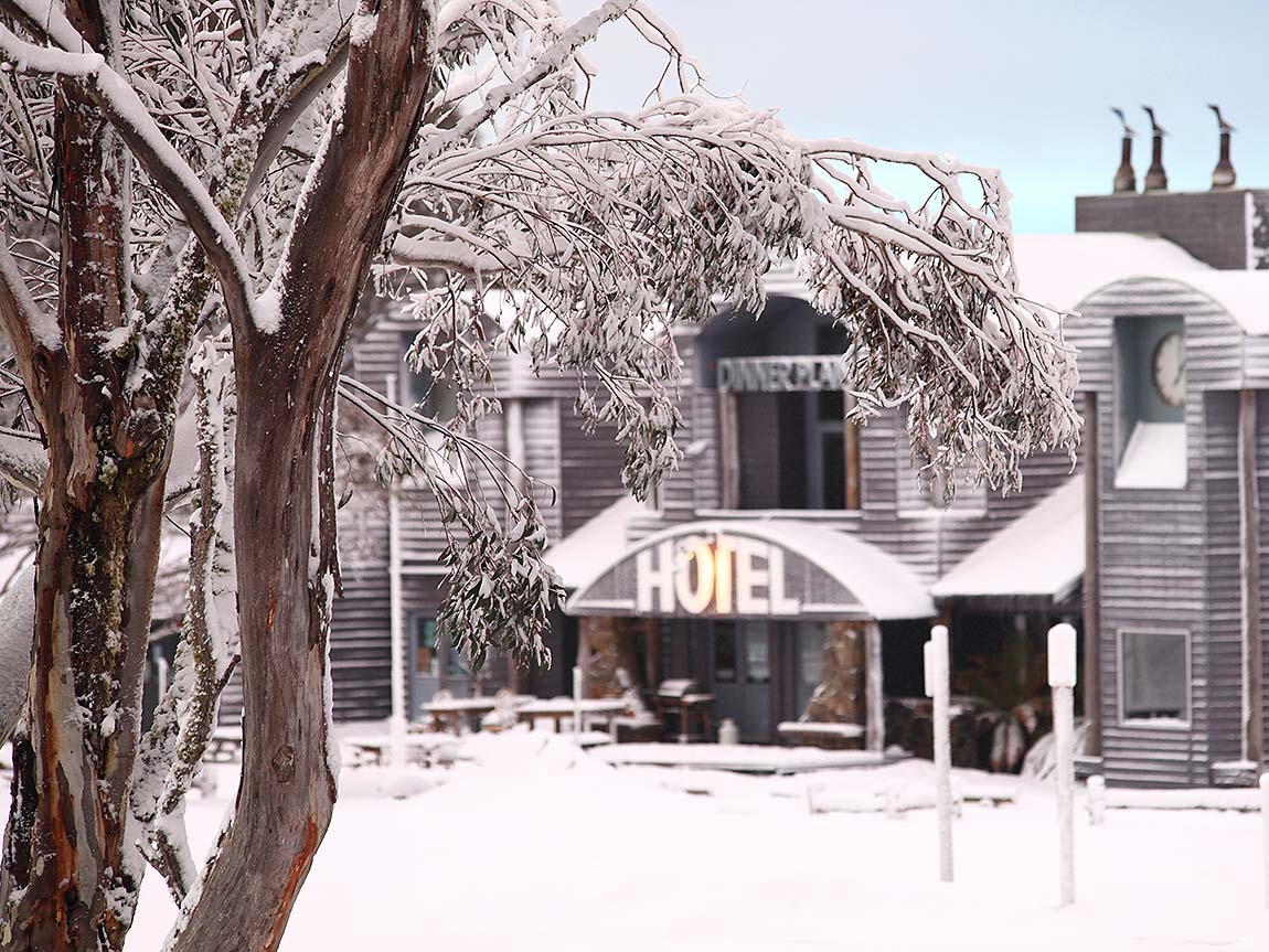 victorian outdoor christmas decorating ideas