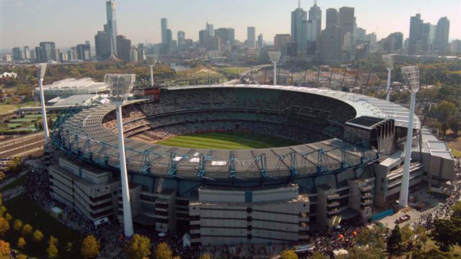 Lapangan Sepak Bola Terbesar di dunia