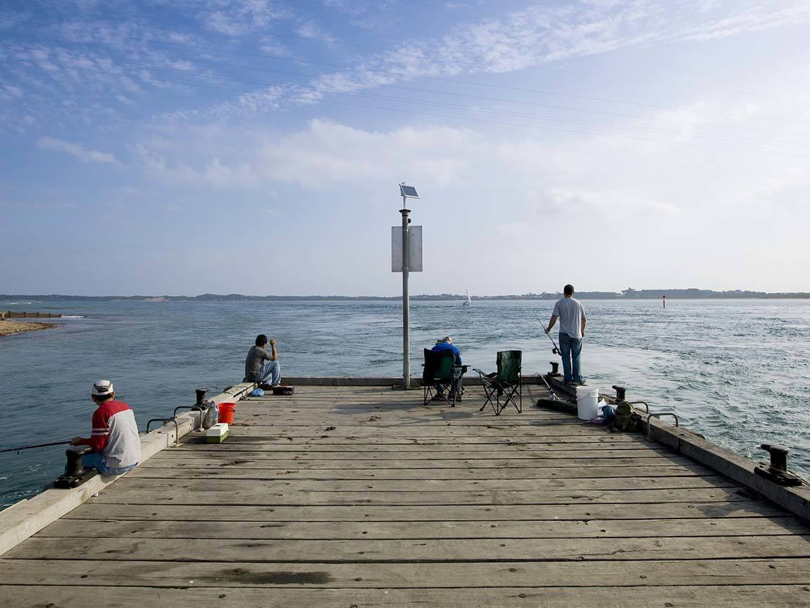 Fishing at San Remo Pier, Phillip Island, Victoria, AustraliaFishing at San Remo Pier, Phillip Island, Victoria, Australia