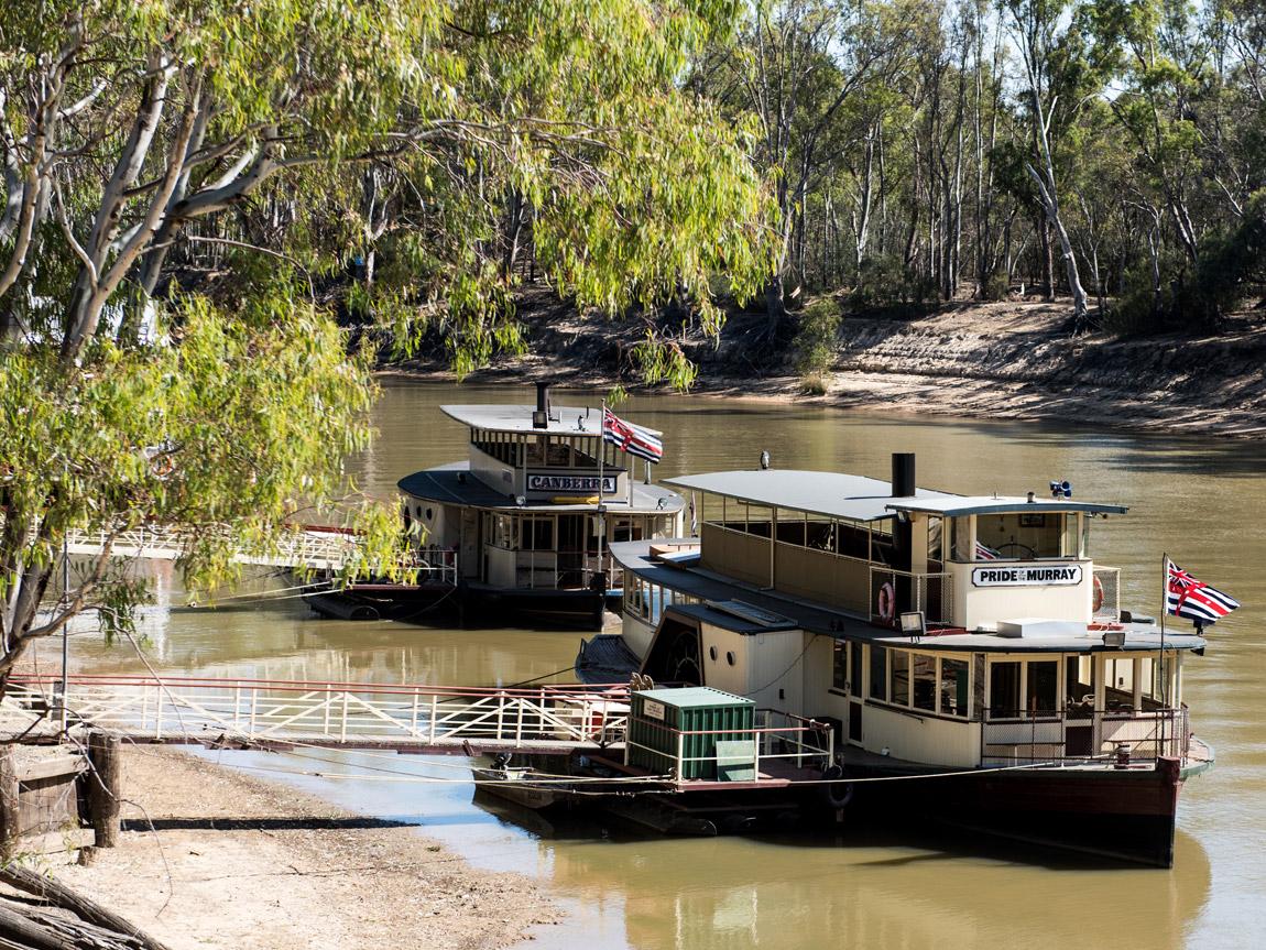 echuca moama destinations the murray victoria australia. Black Bedroom Furniture Sets. Home Design Ideas