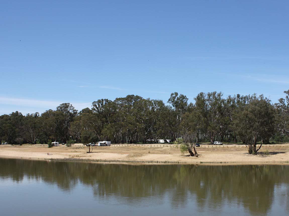 tocumwal  destinations  the murray  victoria  australia